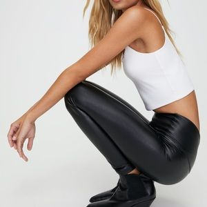 Wilfred free daria pant. Faux leather legging. M